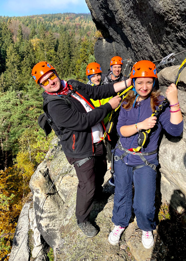 Mavebáci na skalách v Německu